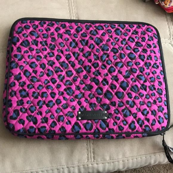2f4df848a677c Vera Bradley laptop case. M 5b99941a9539f776fdaee660